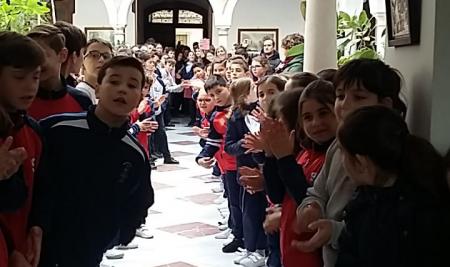 Calurosa despedida a los maestros Rosa Gálvez y Cristóbal Simón por su jubilación.